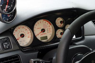 Autointerieur pagina over het bekleden van het auto interieur.