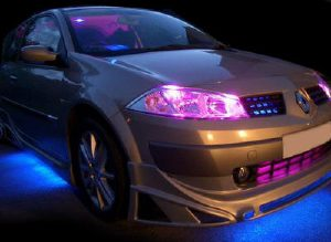 Led Verlichting Auto Mag Dat.Led Verlichting Info Over Auto Neon En Ledverlichting Kits